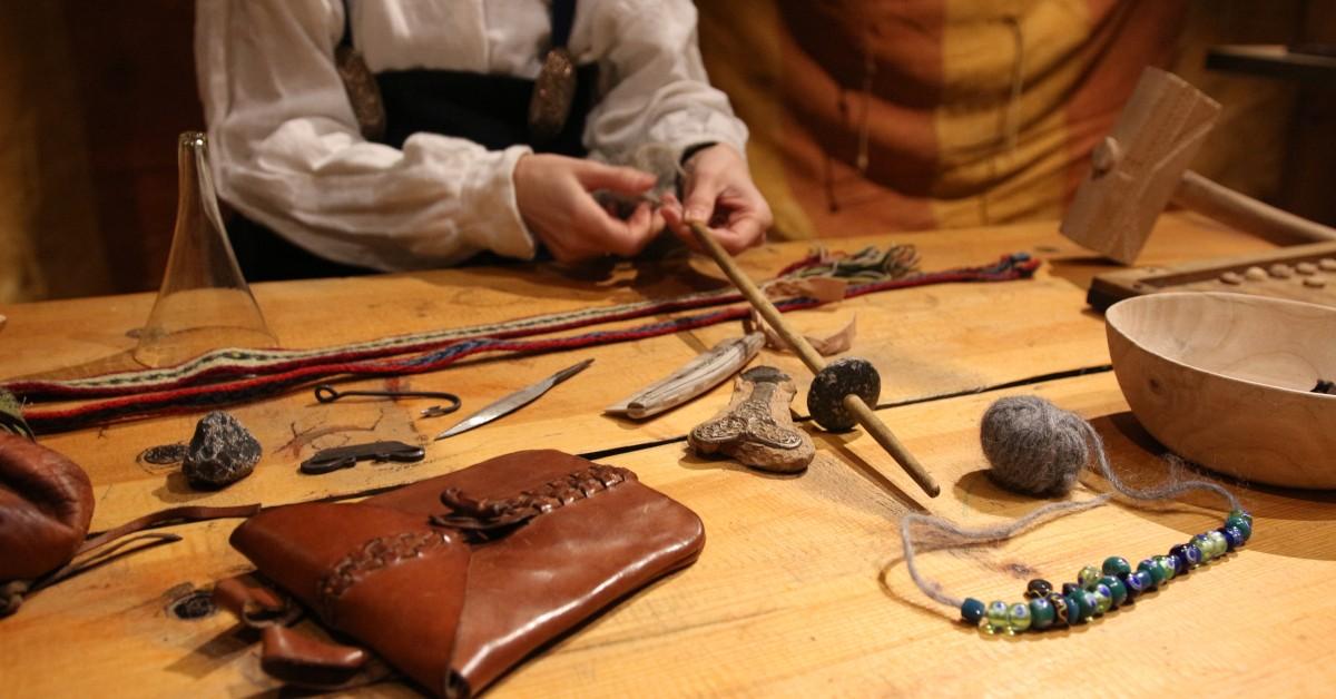 Gjenstandsarkeologi. Foto: MHE/Lofotr Vikingmuseum